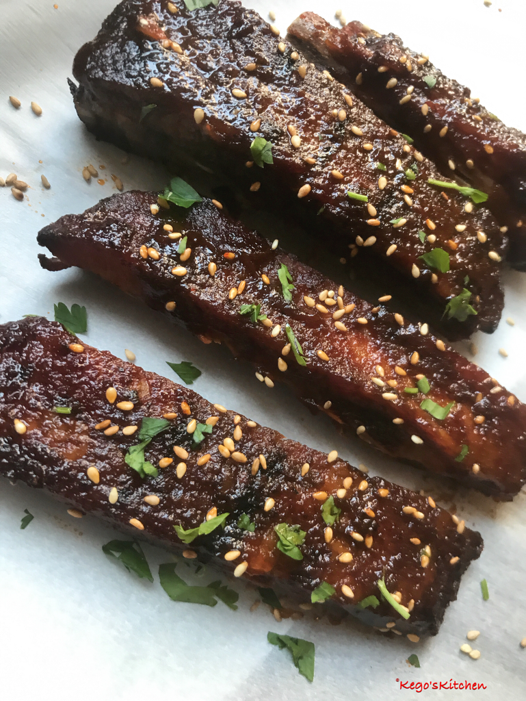 Sticky Low Carb Sriracha Ribs